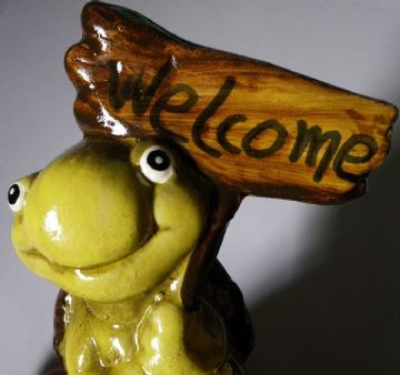 NEW Tortoise Welcome sign glossy ceramic happy tortoise on stone with sign
